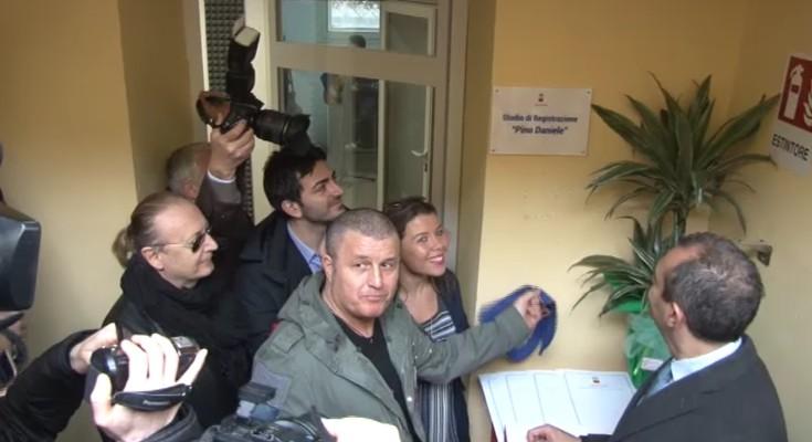 Pianura alla casa della cultura inaugurato lo studio di registrazione pino daniele report - Studio di registrazione in casa ...