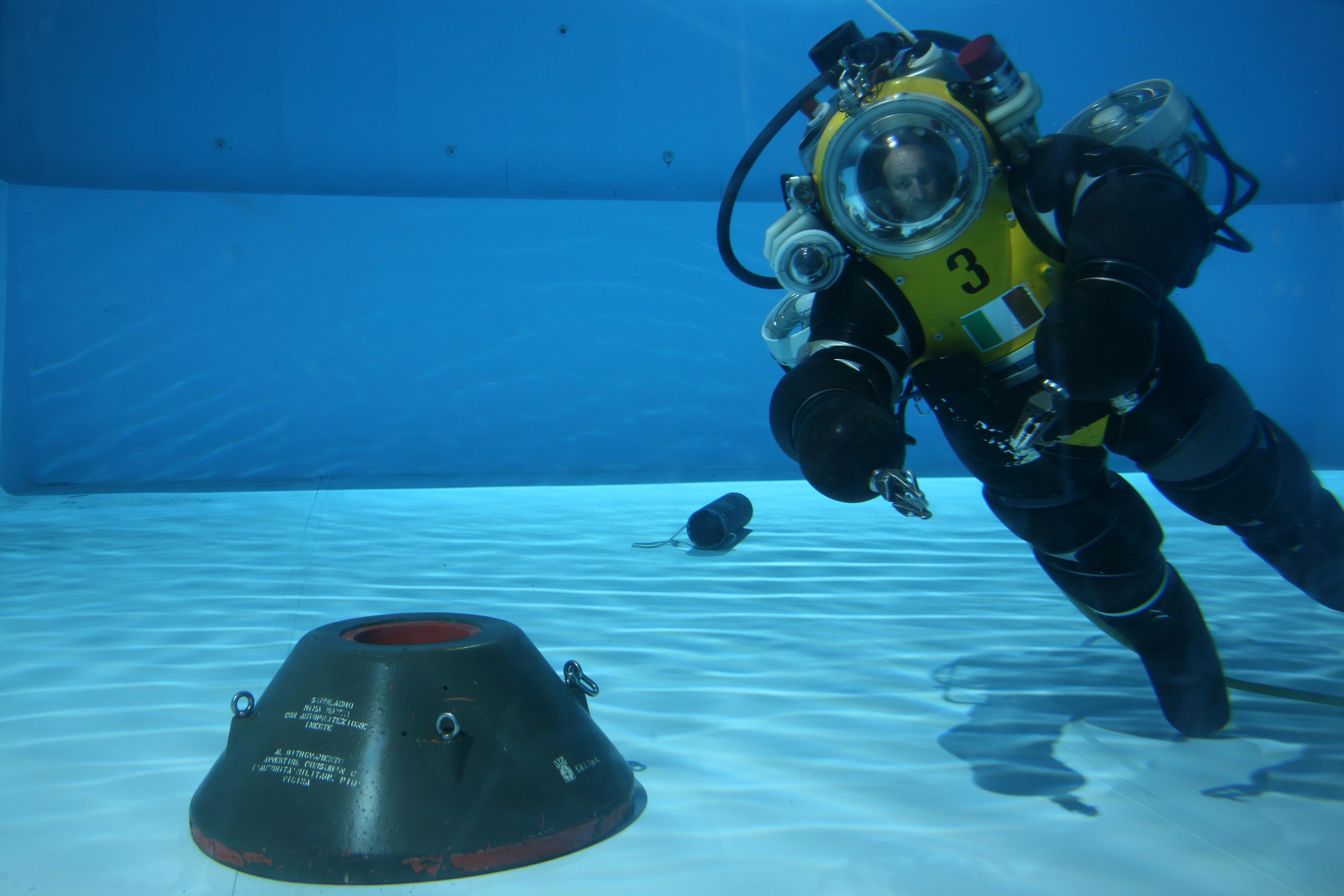 подводный костюм картинки появлением стационарных